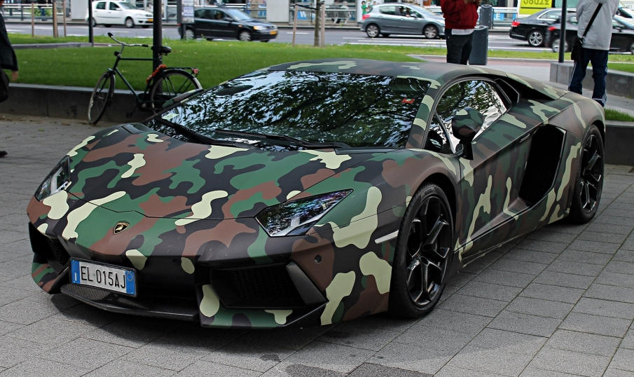 Lamborghini-Aventador-with-Jungle-Camouflage-Wrap-0