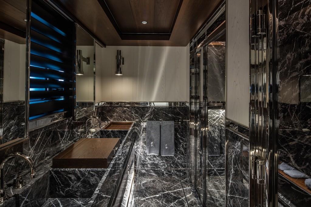 ATLANTE-Vip-Cabin-3-bathroom