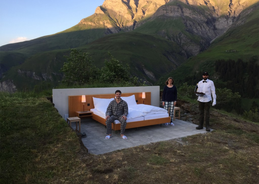 null-stern-hotel-switzerland-alps_dezeen_1568_5